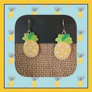 NWT! Brand new 🍍 pineapple earrings.